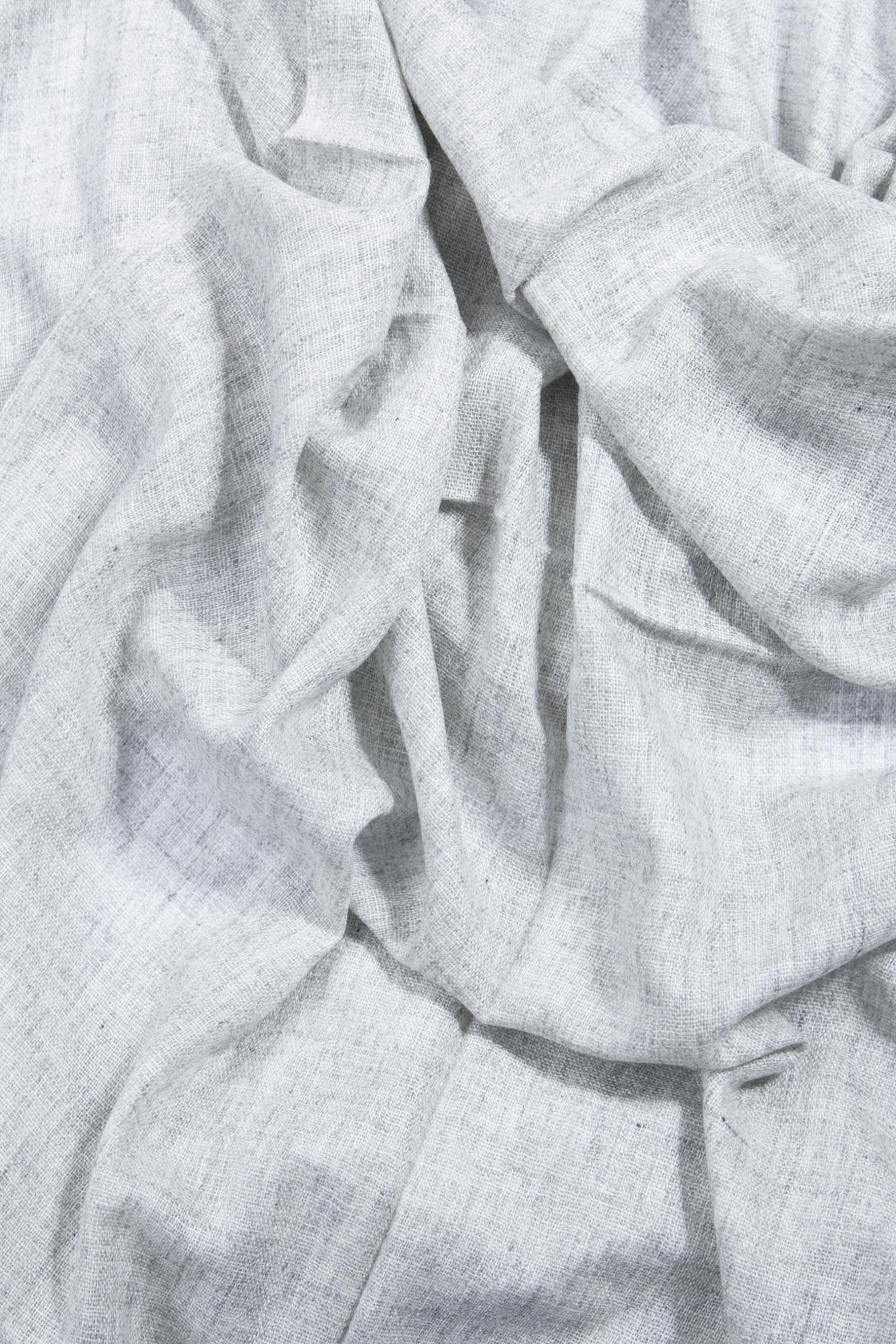 Etole gris argent en voile de cachemire DIEGO GARCIA