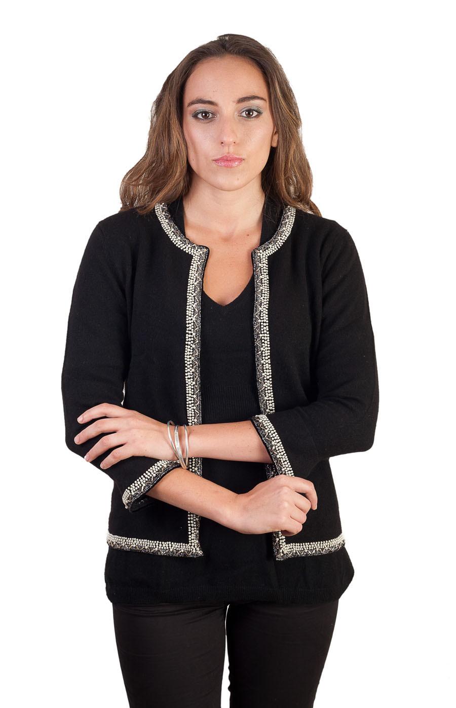 Veste cachemire et perles noirs