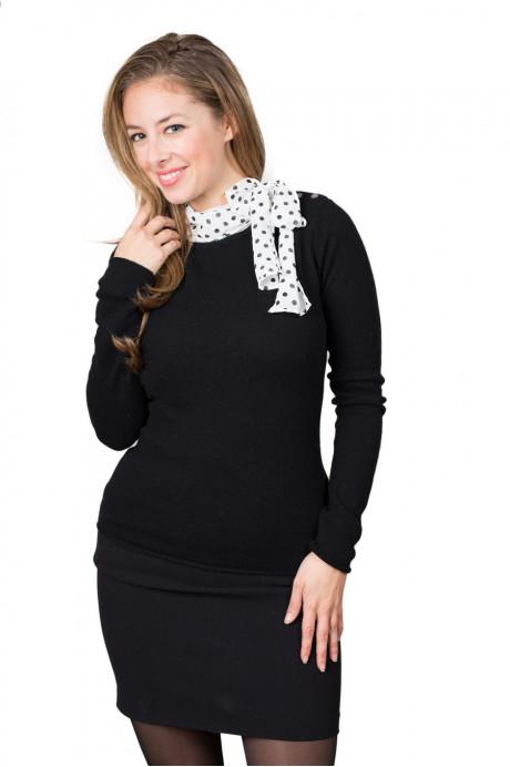 Pull cachemire noir et foulard soie à pois